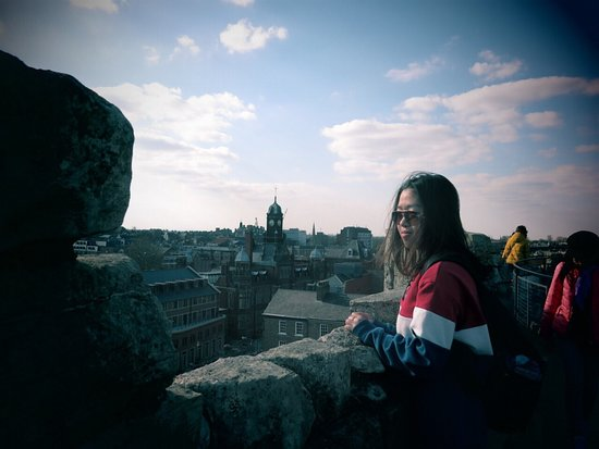 Clifford's Tower: The scenery of the charming York city is the gift for you to arrive here