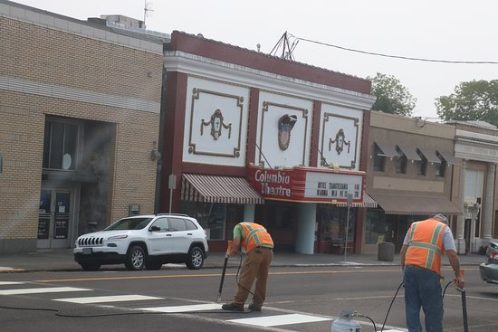 Saint Helens, OR: Columbia Theater