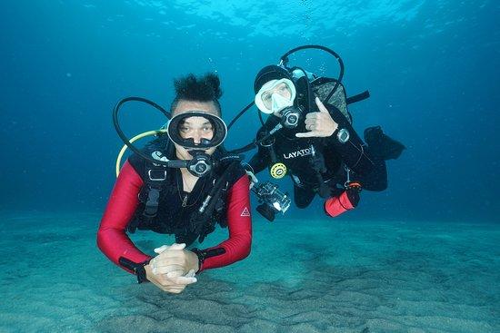 Sanctum Dive Nusa Penida: Padi 5 start dive center located beach front at Nusa penida