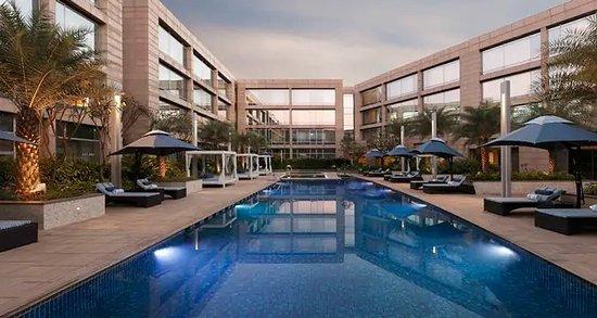 Pool - Hilton Bangalore Embassy GolfLinks Photo