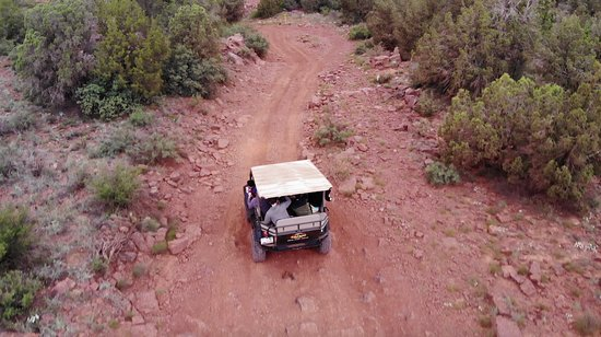 Diamondback Gulch 4x4 Open-Air Jeep Tour in Sedona: Drone shot 1