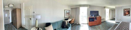 Crowne Plaza Ventura Beach: Room 706