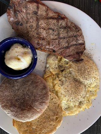 Crowne Plaza Ventura Beach: Breakfast at La Cosecha