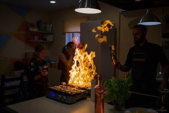 Culinary School Studio VILKA: Элементы шоу!