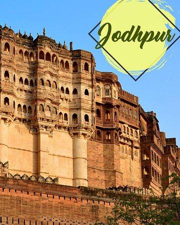 Τζοντπούρ, Ινδία: The charm of the blue city of Jodhpur is in its unique architecture. Experience this and much more, with our handpicked experiential stays and activities in Jodhpur. Click on the link to know more! tinyurl.com/y6qkyj7q