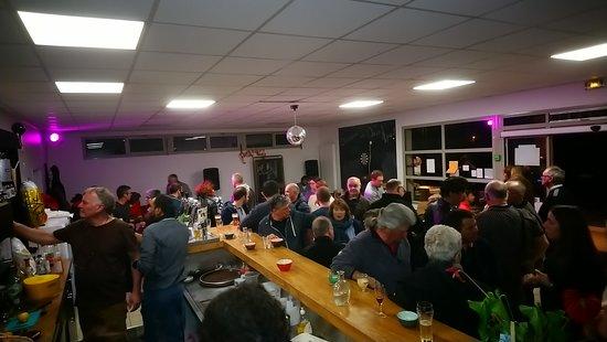 Saleich, ฝรั่งเศส: Concert côté Bar