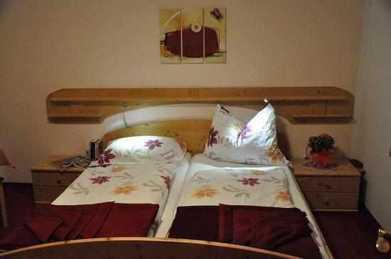 """2.Schlafzimmer der Wohnung """"Graslitzen"""" - jedes Zimmer mit Dusche/WC"""