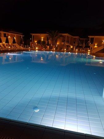 Lagomandra Beach Hotel照片