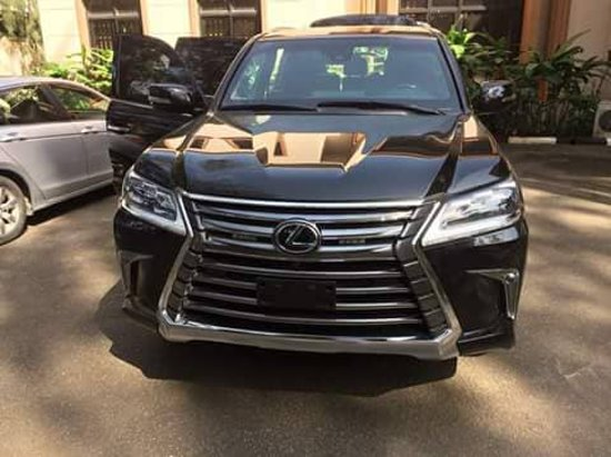Yenagoa, ไนจีเรีย: This is the Lexus LX570.Available for hire