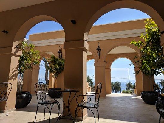 Agios Ioannis Peristeron, اليونان: Lobby entrance