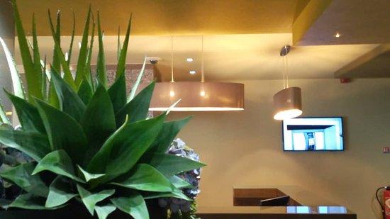 Douala, Cameroon: Concierge Desk