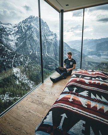 Cabana de dolomitas, tri, Austria.