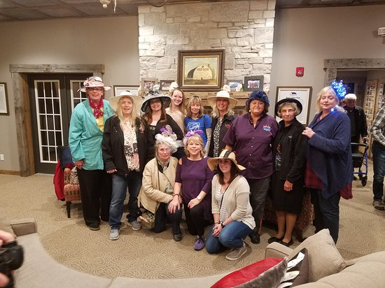 Goodfield, IL: Mothers day Saturday night hat contest for the ladys. Great time by all in the Illinois Vipers Owners of Illinois.