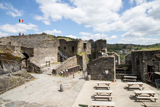 Chateau Feodal: Inner courtyard