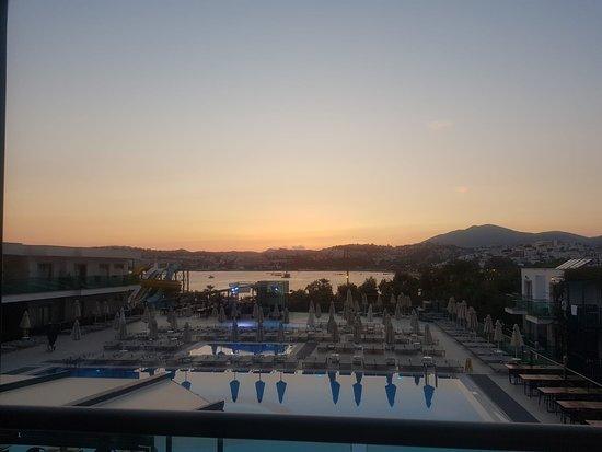 Jasmin Beach Hotel: Mooi uitzicht vanuit het à la carte restaurant