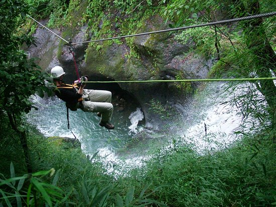Miramar, Costa Rica: Waterfall Zip Line Tour with 2 Rappels