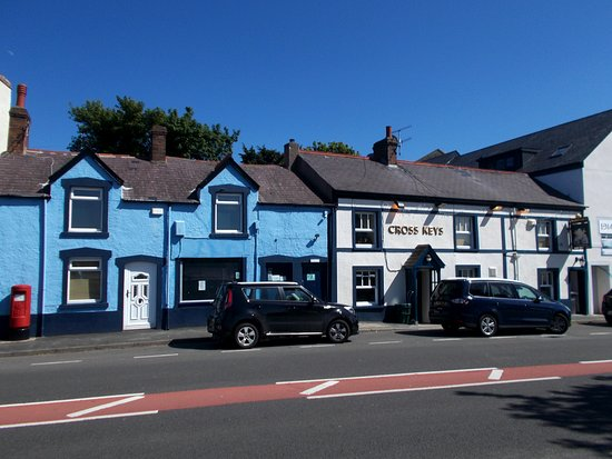 Llansanffraid Glan Conwy, UK: The Post Office and Cross Keys pub