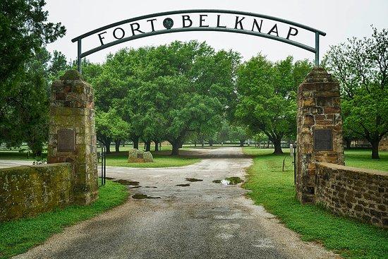 Newcastle, TX: Main gate