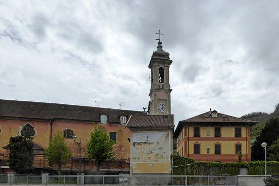 Campo Ligure, Włochy: Oratorio di San Sebastiani e San Rocco: fianco destro