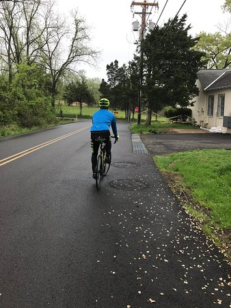 Bucks County, بنسيلفانيا: .  HIGH POWER BIKING - 20-40 Miles of FUN! These rides will be 2-6 hours with break stops along the way for eating.  We have multiple routes mapped out in the area for awesome rides in both PA and NY counties.   You will be taken down scenic roads with river views, farm views seeing all kinds of animals and local historical spots along the way!  These tours are nothing short of pure excitement and a great workout. We will meet you at a designated meeting place when you choose this tour.