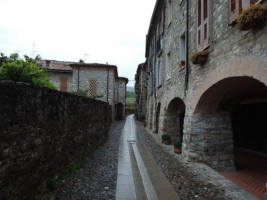 Antichi Portici della Contrada del Castellaro