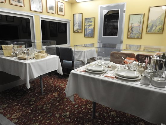 I loved looking at the different china and dining areas.  Luxury travel sure was luxurious.