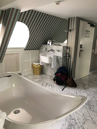 Tub and sink