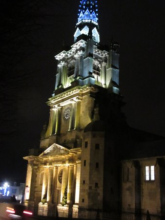 Le clocher illuminé