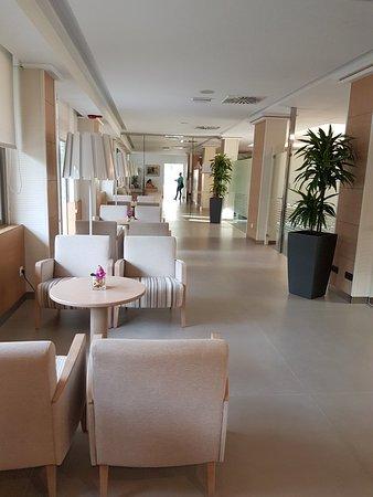 Sehr sauberes, renoviertes 4 Sterne Hotel mit zuvorkommendem Personal