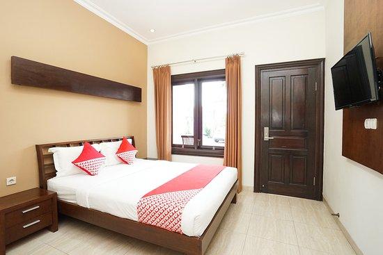 OYO 309 Avila Ketapan Rame Hotel