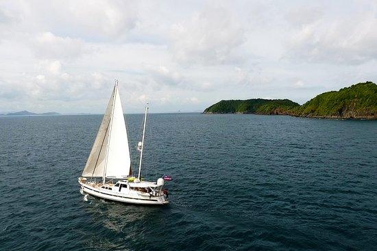 Born Free Yacht