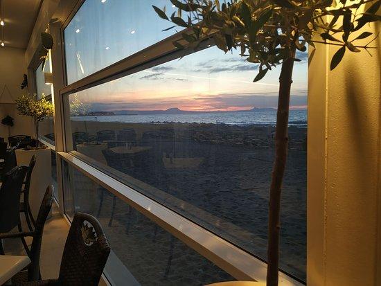 Dimitrios Village Beach Resort: Restaurant terrace