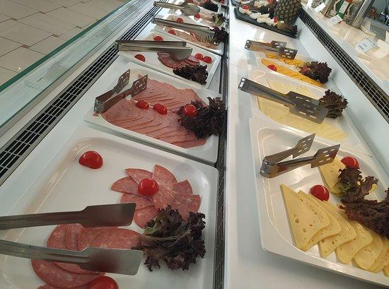 Dimitrios Village Beach Resort: Restaurant buffet