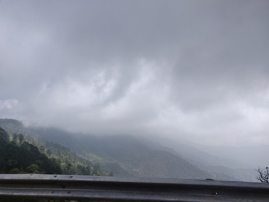 Western Bhutan Tour: Foggy afternoons!!