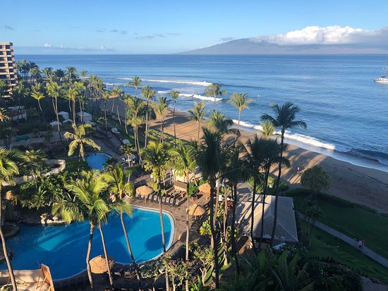 The Westin Ka'anapali Resort and Spa is currently under a major remodel.  If you have hotel reservations, be warned that the property is under construction.  Also,  if you are going to stay at this property,  tell them you want to stay in the New Beach Tower