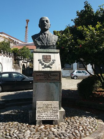 Busto General Norton de Matos
