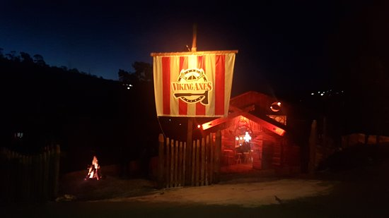 Viking Axes - Pub de Arremesso de Machado