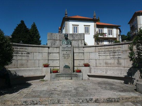 Estatua de Antonio Feijo