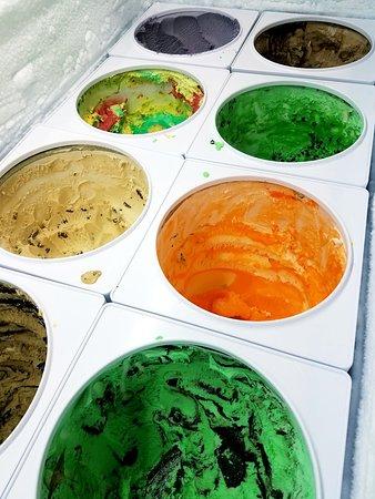 ลิตเทิลฟอลส์, นิวยอร์ก: Did you know we have 32 flavors of ice cream?!?