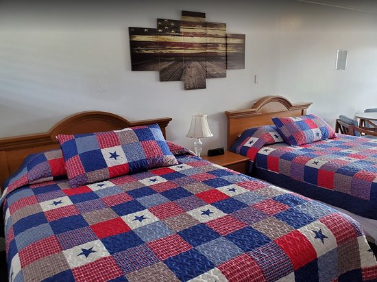 Coquille, OR: Patriotic theme room with 2 queen beds