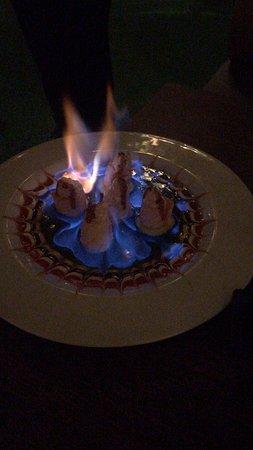 Gunkan fuoco , gunkan special, brownie con il gelato