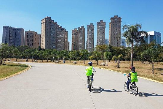 1º Pedal - Escola de Bicicleta