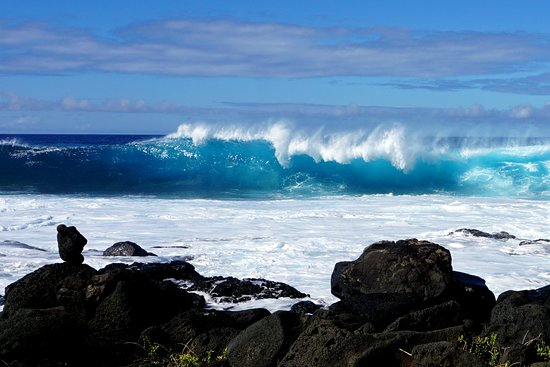 South Point Complex: Big surf at South Point