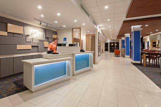 Holiday Inn Express & Suites - Brigham City - North Utah: Lobby