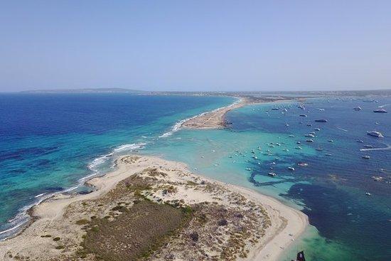 ¡Navegue en catamarán de Ibiza a...