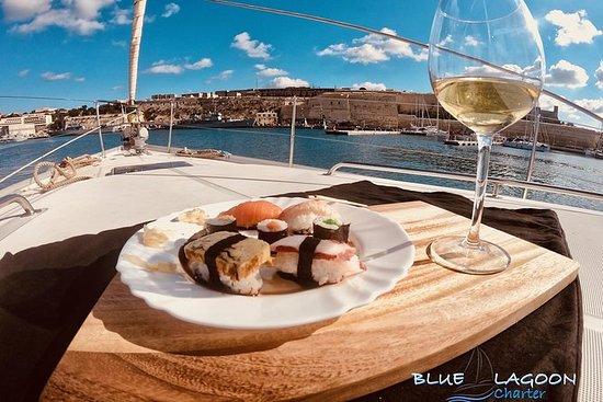 Cena Esclusiva con Tour in Barca a