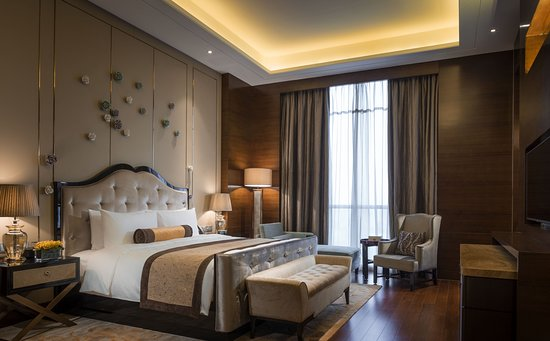 Hualuxe Hotels & Resorts Yangjiang City Center: Guest room