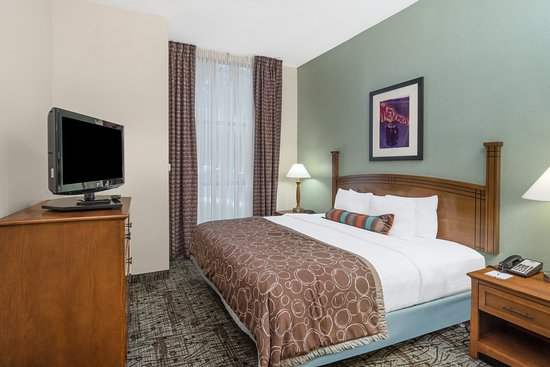 Staybridge Suites Memphis - Poplar Ave East: Guest room