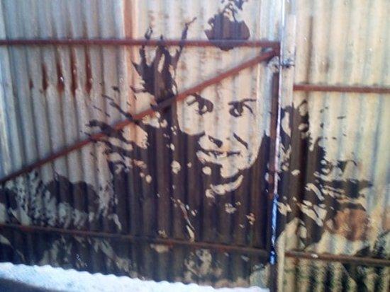 wez wall art