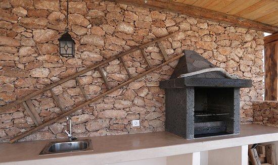 Triquivijate, Espagne : Außengrill